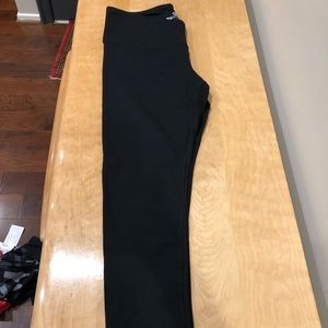 90 Degree yoga pants size large in black